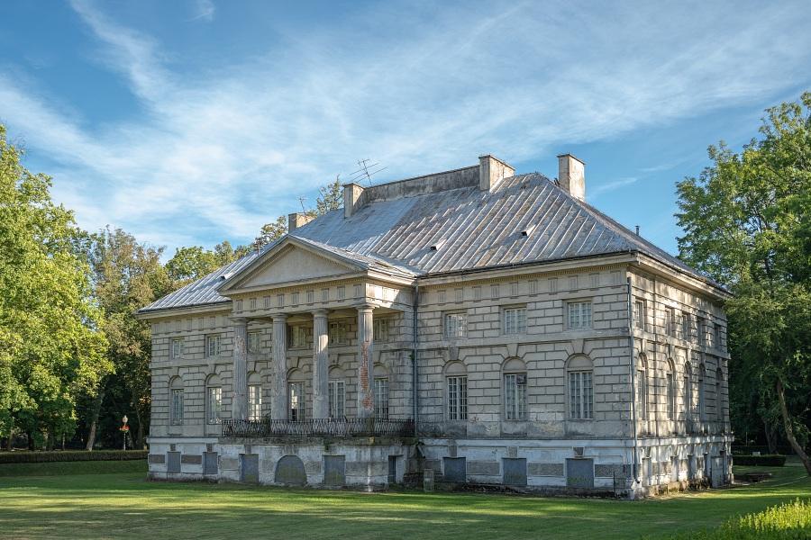 Pałac w Młochowie – perła klasycyzmu